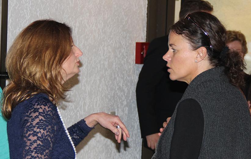 Christine Strack mit Besucherin