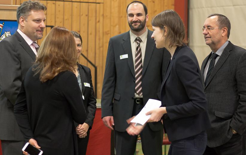 im Gespraech mit Politik Frau Emmi Zeulner und Herrn Bgm. Juergen Kohmann