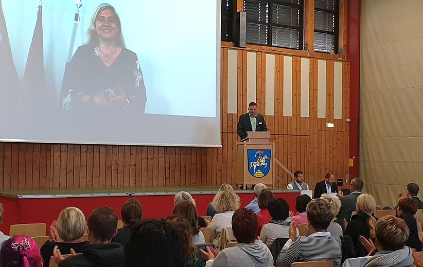 Frau Staatsministerin Melanie Huml Begrueßungsvideo